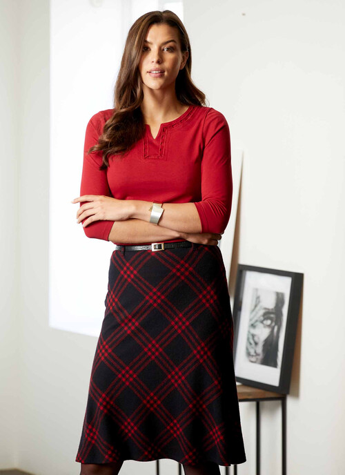 Bright Red Black/red Check Skirt With Belt 25 Inch Length/64 Cms